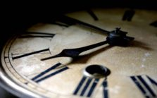 Циферблат старинных часов