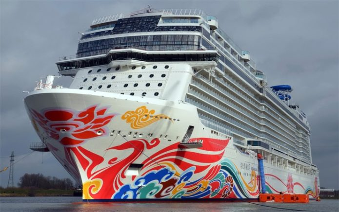 Лайнер Norwegian Joy