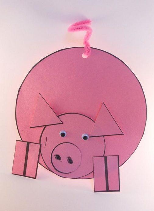 Простая и оригинальная аппликация с символом года со свинкой