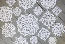 Ажурные снежинки из бумаги