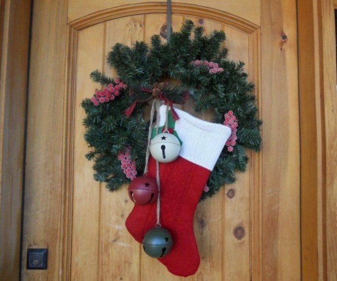Украшение дверей к Новому году