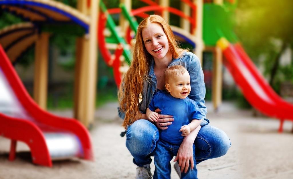Как ведут себя на детской площадке мамы разных знаков Зодиака