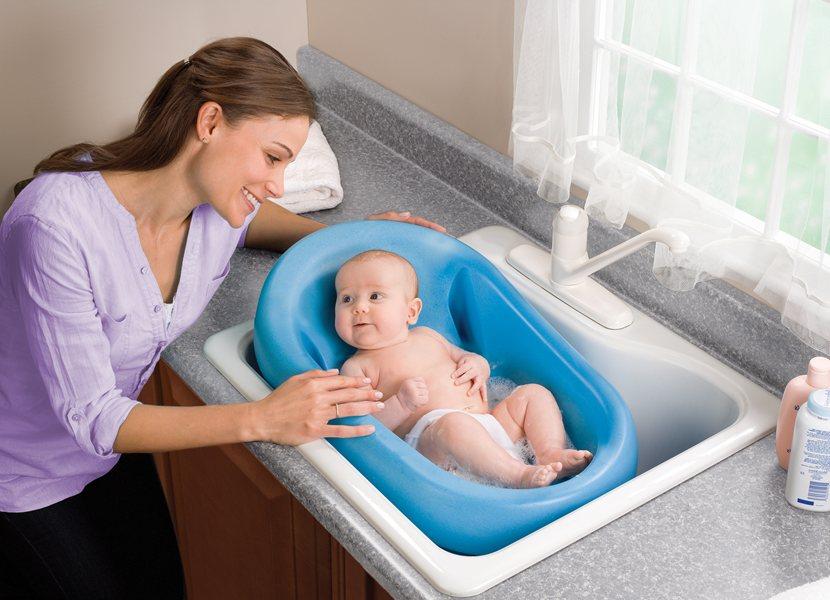 Почему не стоит купать ребенка по пятницам
