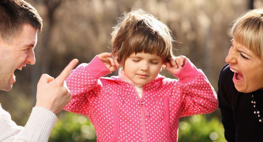 Стоит ли делать замечание чужим детям на детской площадке, и когда оно будет уместным
