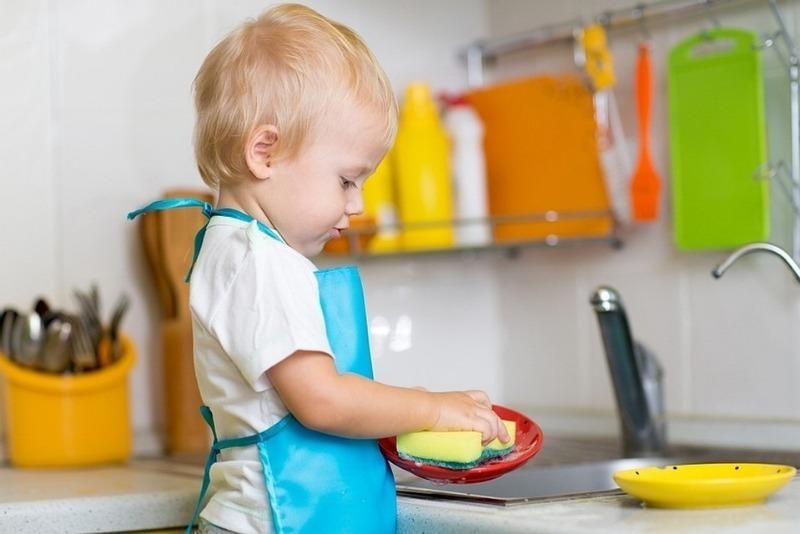 Какие домашние дела можно поручить детям разных возрастов