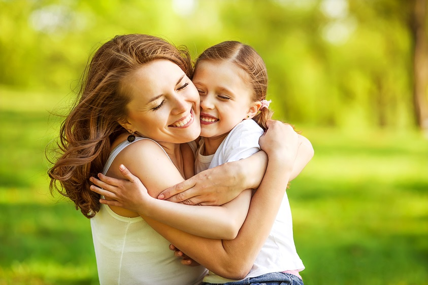 Как часто нужно обнимать детей, чтобы они стали умнее