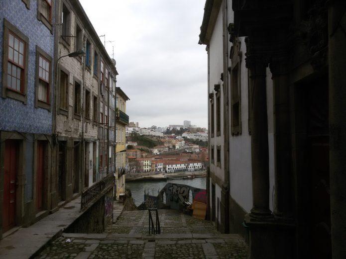 Улица в городе Порту