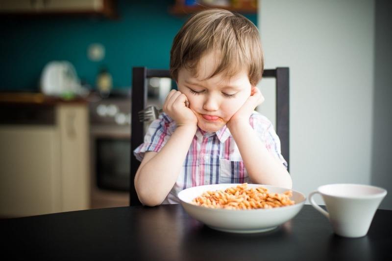 8 самых частых причин, по которым ребенок отказывается от еды