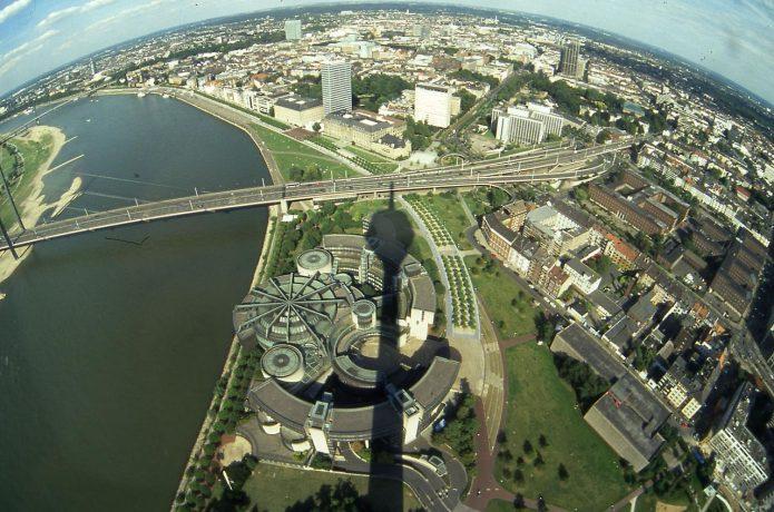 Вид на центр города с Рейнтурм