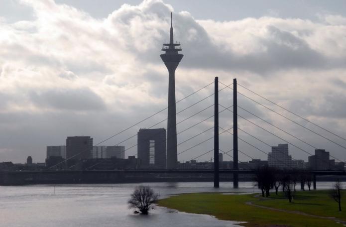 Рейнская башня и мост