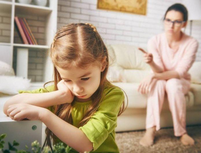 10 непростительных ошибок родителей, которые могут повлиять на психику ребенка