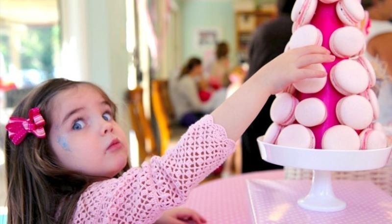 Почему ребенок может воровать чужие вещи: 3 важных причины