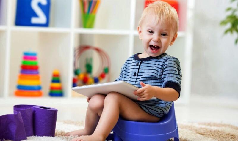 7 самых частых ошибок родителей во время приучения ребенка к горшку