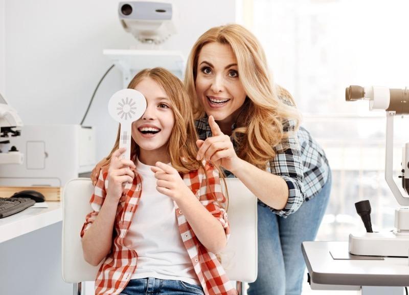5 опасных родительских заблуждений, из-за которых у ребенка может испортиться зрение
