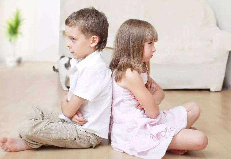 7 рабочих способов помирить детей после ссоры