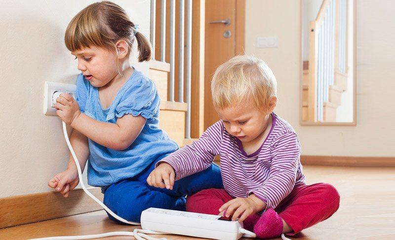 Безопасный дом: 8 устройств, необходимых для защиты ребенка от случайностей